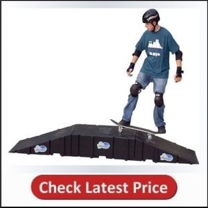 Landwave Skateboard Starter Kit along with two Ramps and one Deck